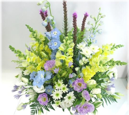 お供え・お悔やみに贈るお花